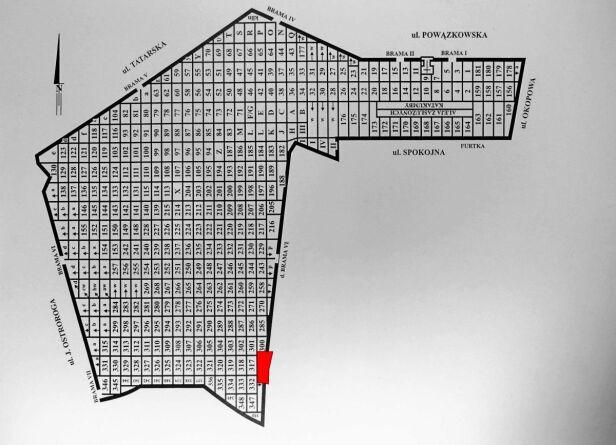 Mur runął na odcinku ok. 100 m w okolicach kwatery 316 Komitet Powązkowski