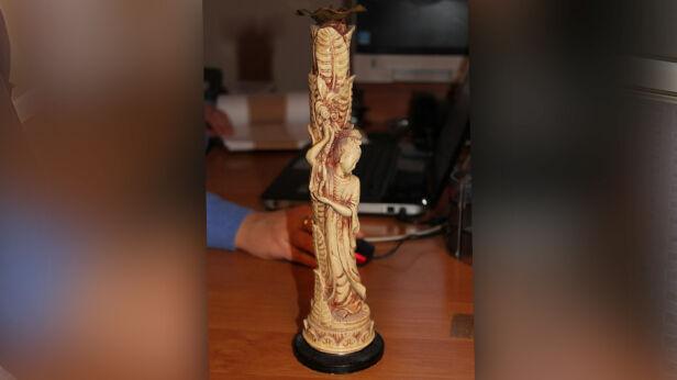 Świecznik z kości słoniowej ksp