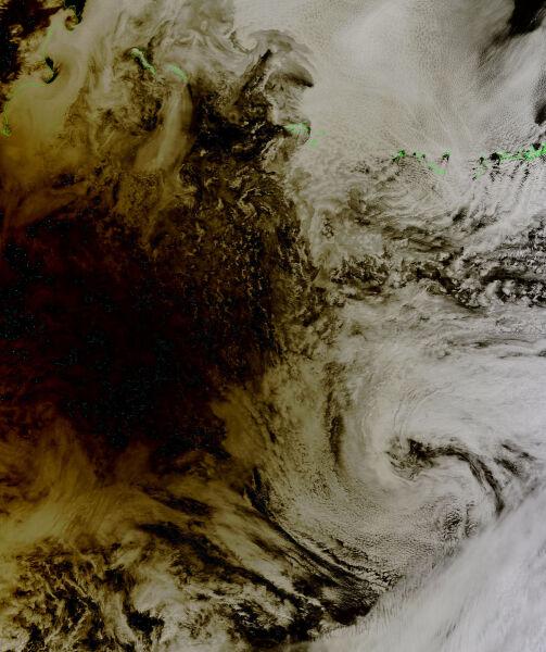 Cień Księżyca nad Pacyfikiem podczas zaćmienia / NASA