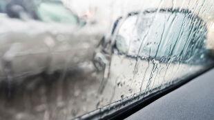Trudne warunki na drogach w całej Polsce