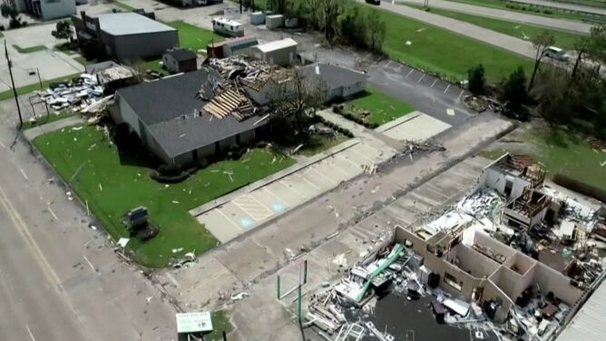 Luizjana po przejściu huraganu Laura. <br />Skalę zniszczeń widać na nagraniach z drona