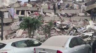 Skutki piątkowego trzęsienia ziemi w Turcji